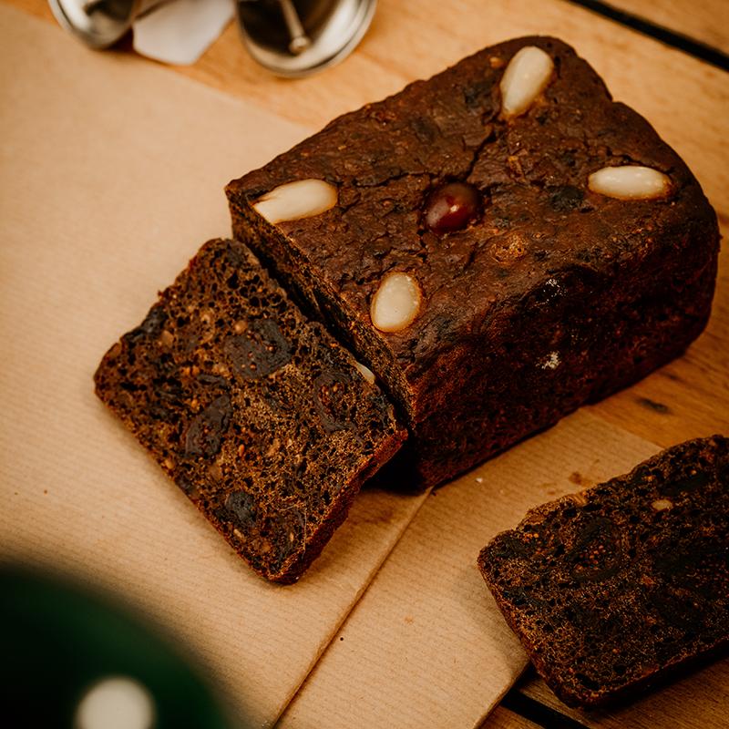 Bäckerei Hager Weihnachtsprodukte Kletzenbrot