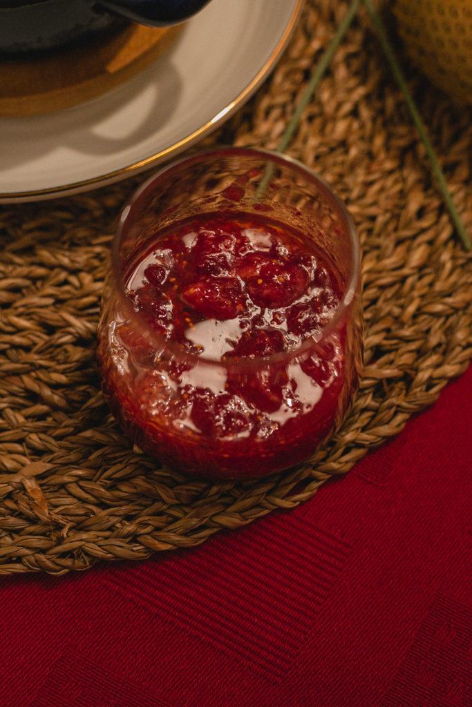 Bäckerei Hager Weihnachtlicher Brotpudding mit Preiselbeeren und Feigen